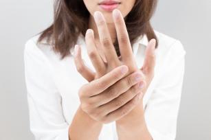 Gdy ciało puchnie… Przyczyny i objawy zatrzymywania wody w organizmie