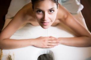 Piękne ciało po zabiegu - Zabiegi z wykorzystaniem masażu i skalpela, które wyszczuplają!