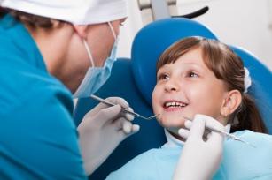 Leczenie zębów bez borowania?! Czy wiesz na czym polega ozonowanie zębów?