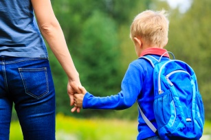 Początek roku szkolnego a odporność dziecka. Dlaczego częściej choruje?