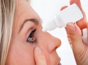 Gdy oczy szczypią i łzawią… Zapalenie spojówek – co powinieneś wiedzieć?