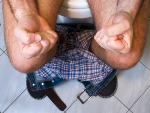 Problem uciążliwy i wstydliwy. Przedstawiamy 4 metody na hemoroidy!