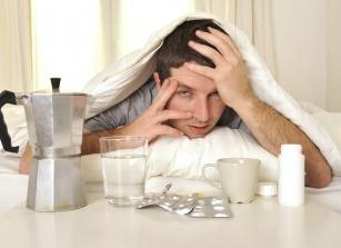 Ból głowy po imprezie? Poznaj 8 sposobów na kaca!