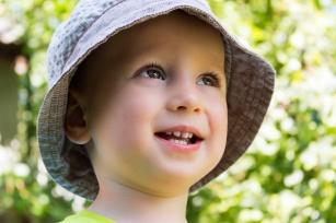 Łysienie u dziecka. Co je powoduje?
