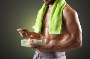 Energia i regeneracja! Sprawdź jak komponować posiłki, które zwiększą efektywność treningową!