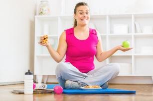 Ciążowy brzuszek TAK, zapasy tłuszczu po porodzie NIE! Jak powinna wyglądać dieta świeżo upieczonej mamy?