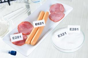 Chemia w żywności. Dlaczego lepiej sprawdzać etykiety?
