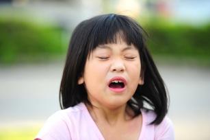 Dziecko kicha albo ma wysypkę? Poznaj 6 najczęstszych alergenów u dzieci