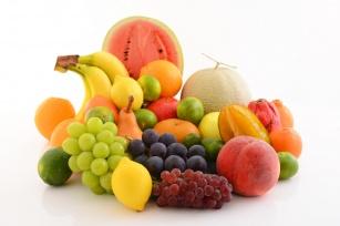 Zdrowe, kolorowe i… tuczące? Owoce, których lepiej unikać przy odchudzaniu