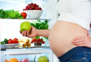 Ile trzeba przytyć w czasie ciąży? Poznaj odpowiedzi na najczęstsze pytania