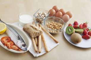 Wysypka, biegunka to nie jedyne objawy alergii pokarmowej.