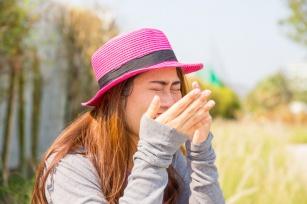Męczysz się z alergią? Poznaj 8 trików, które pomogą ci ją załagodzić!