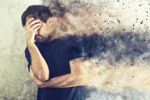 Nachodzi jesień, a wraz z nią jesienna depresja. Jak rozpoznać to zaburzenie, jak je leczyć?