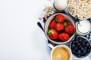 Popularne węglowodanowe śniadania - dlaczego nam nie służą i czym warto je zastąpić?