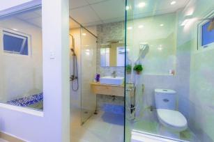 Taboret pod prysznic - komu i kiedy się przyda?