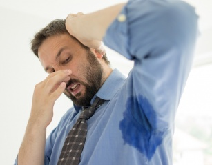 Wstydliwy problem: nadpotliwość. Jak się jej pozbyć?