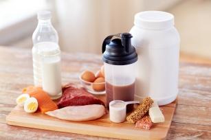 Dieta białkowa. Na czym polega i czy warto ją stosować?