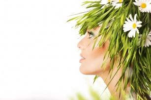 Poznaj 10 ziół dla wzmocnienia Twoich włosów!