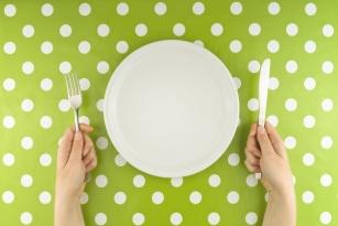 Wady i zalety diety Dukana. Pomaga czy szkodzi?