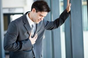 Odczuwasz ból w klatce piersiowej? Nie czekaj tylko zgłoś się do lekarza!