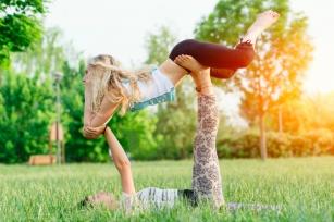Acroyoga – najnowsza technika na zrzucenie kilogramów i przyjemny relaks.