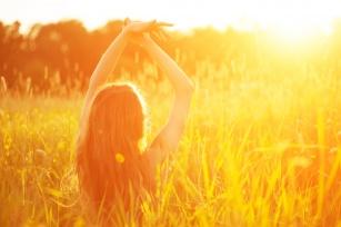 Słońce! Nie każdy może się nim cieszyć. Jak poradzić sobie z alergią na słońce?