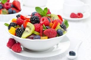 Owoce sezonowe latem. Pomogą poczuć się szczupło i zdrowo