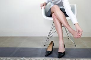 Przynieś ulgę zmęczonym nogom. Metody na uczucie ciężkości