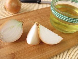 Skuteczny sposób na kaszel. Sprawdź czego nie wiedziałeś o cebuli?