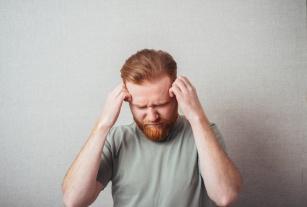 Zapalenie opon mózgowo-rdzeniowych jest niezwykle niebezpieczne. Poznaj pierwsze objawy choroby!
