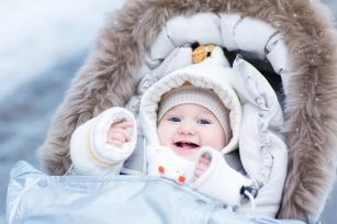 Przygotuj się do zimowego spaceru z niemowlakiem