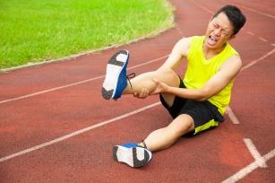 Naciągnięcie mięśnia – jego przyczyny, objawy i sposoby leczenia.