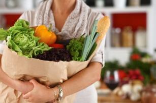 Niskokaloryczna dieta roślinna w proszku. Czym jest 42 Vital?