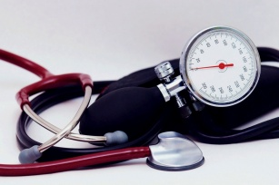 Co Ci grozi, gdy nie leczysz nadciśnienia? Słaby wzrok, chore nerki, a nawet udar!