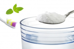 Domowa pasta do zębów z sody. Czy jest skuteczna ?