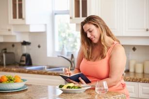 Dieta 1500 kcal. Jak się przygotować, jak ją stosować?