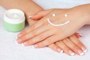 Poznaj sposoby na wysuszoną skórę dłoni!