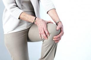 Krępujące i zastanawiające – trzeszczenie w kolanach! Co jest tego przyczyną?