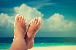 Lato - sezon odsłoniętych stóp! Co zrobić żeby się ich nie wstydzić?