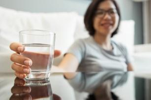 Woda mineralna, źródlana, stołowa i lecznicza - czym się od siebie różnią?