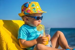 Pełna ochrona malucha. Przygotuj dziecko na spotkanie ze słońcem!