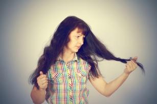 Walczysz z trądzikiem, osłabionymi włosami lub reumatyzmem? Pomoże siarka!