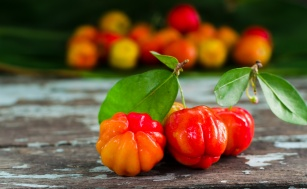 Owoc aceroli - cudowna wiśnia z Barbados
