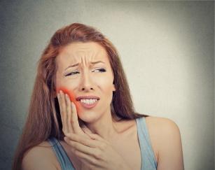 Poznaj 10 sposobów na zapalenie dziąseł!