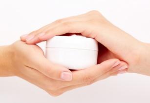 Do czego można użyć wazeliny? Kilka trików przydatnych dla urody i domu.