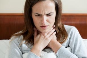 Sprawdzone domowe sposoby na ból gardła: 8 nowych pomysłów!