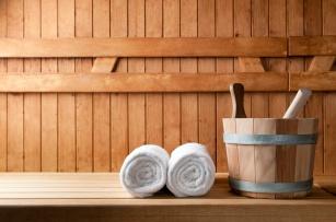 Kto nie powinien  korzystać z sauny? Kiedy szkodzi zdrowiu? Dowiedz się jakie są przeciwwskazania do korzystania z sauny.