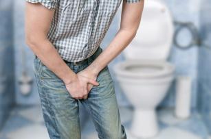 Umysł chce, ciało nie może. Problemy z erekcją mogą oznaczać chorobę prostaty