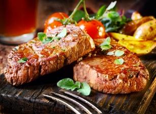 Cheat meal czyli oszukany posiłek. Czy warto go spożywać i na jakich zasadach?