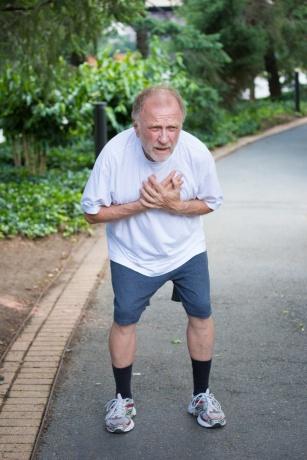 Nie bagatelizuj objawów zawału serca. Jak je rozpoznać ?